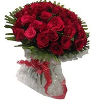 Send Valentine 2016 flowers to Kolkata