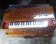 Best Quality and Long Lasting Harmonium Manufacturers in Kolkata